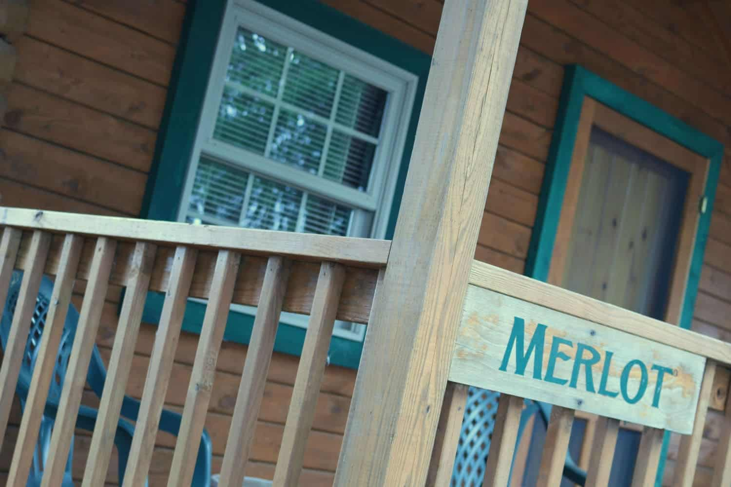 Buttonwood Cabins Outside - Merlot