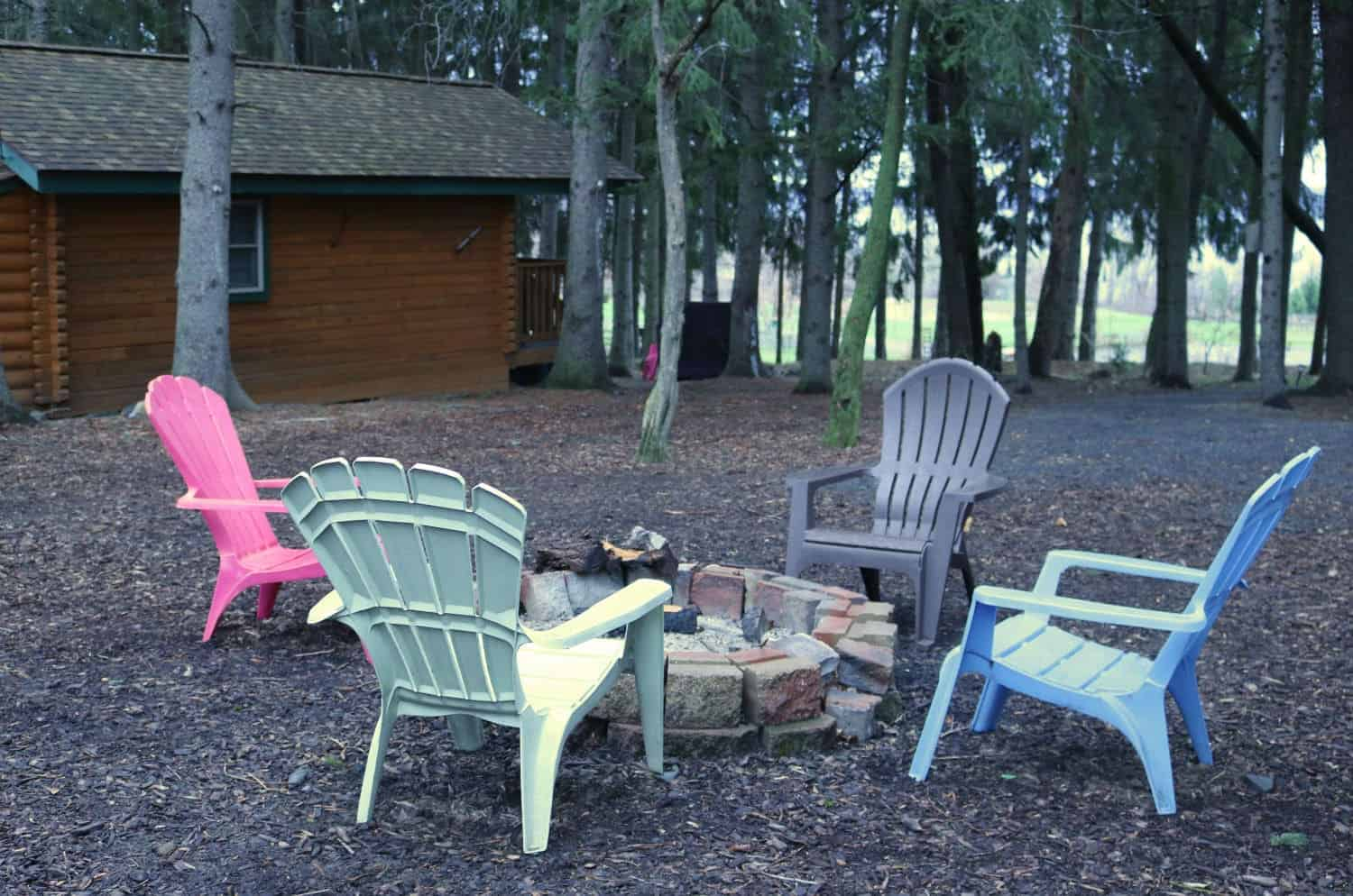 Buttonwood Cabins- Outside Firepit with 2 Chairs