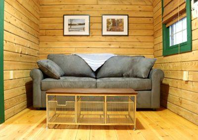 In Buttonwood Grove Cabin Merlot-Bedroom
