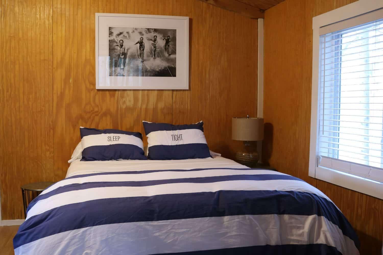 Riesling Cabin Bedroom